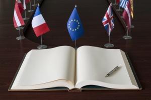photodune-2818659-open-spread-book-fountain-pen-eu-european-union-flags-xs